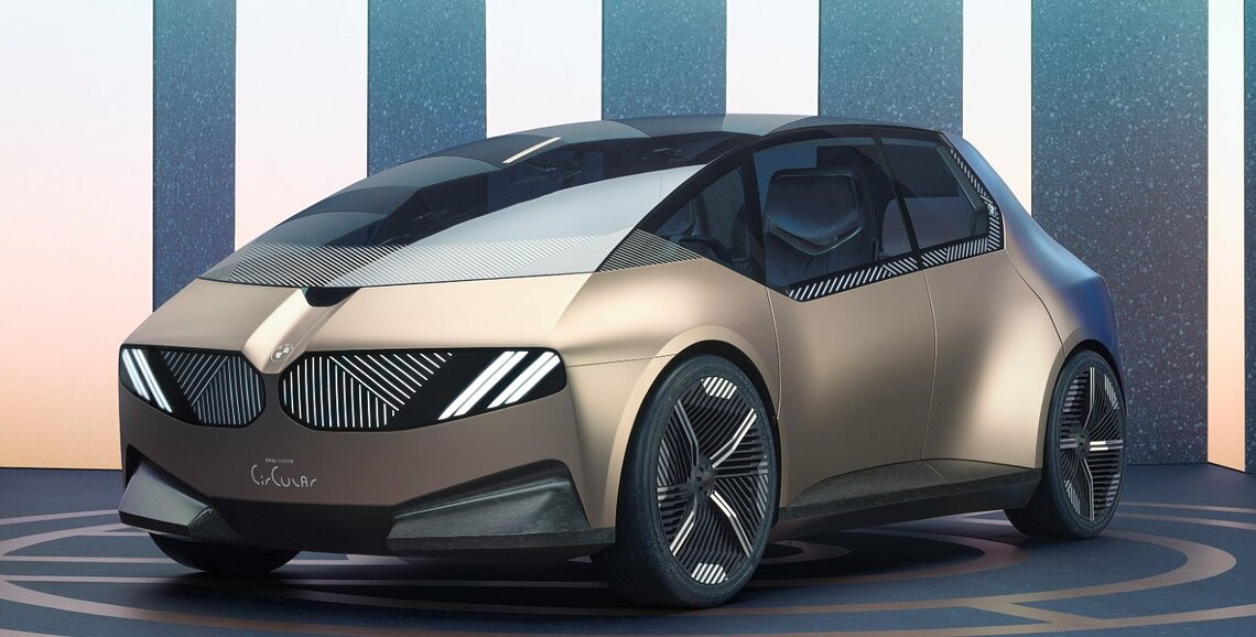 Leider handelt es sich beim BMW i Vision Circular nur um eine Studie, die zeigt, was in mehreren Jahren machbar sein soll. ©BMW