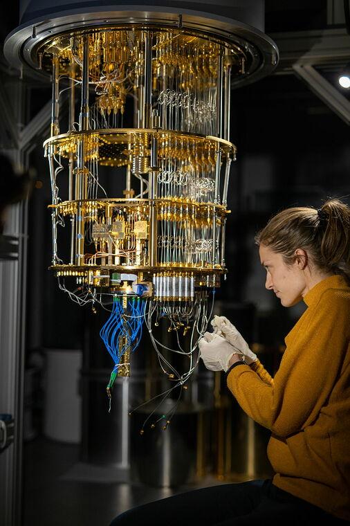 Die Arbeit an einem Quantencomputer von IQM.