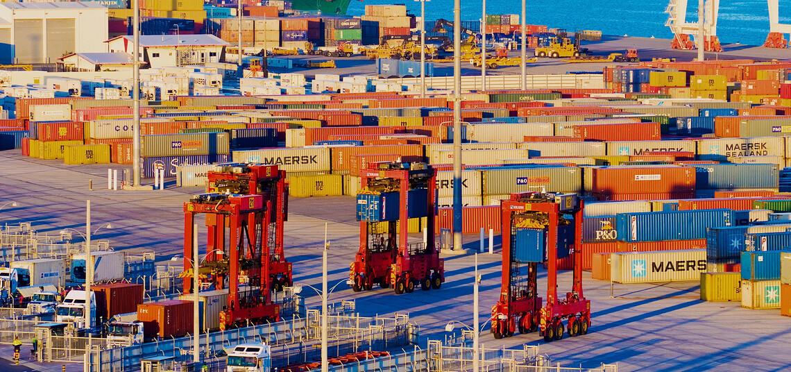 Autostrads bewegen automatisiert Container im Hafen von Brisbane. Bild: Kalmar