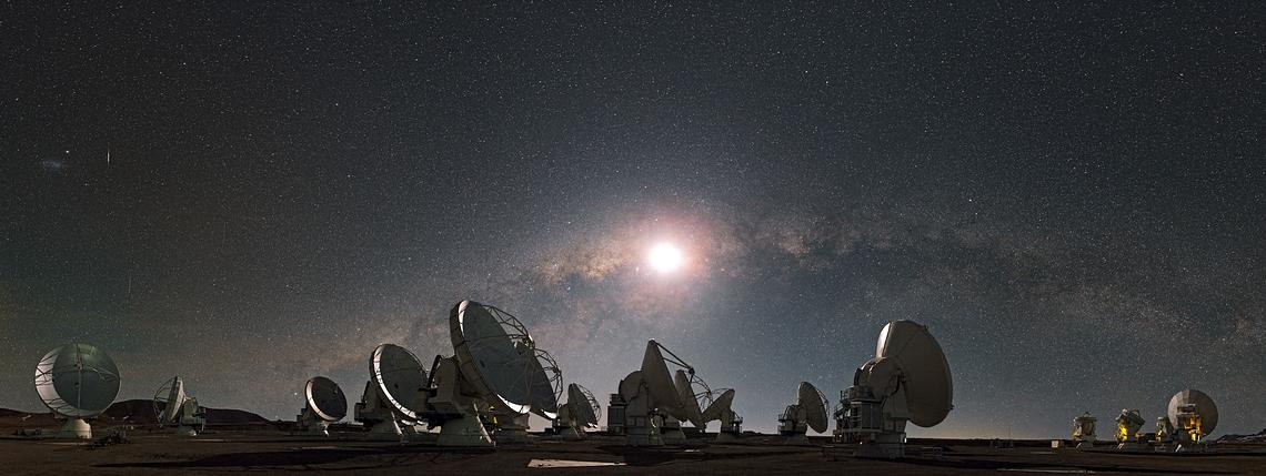 Atacama  ©ESO/S. Guisard