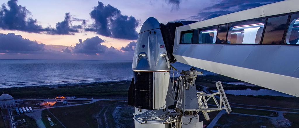 SpaceX startet heute erstmals mit Astronauten ins All: Hier könnt ihr live zuschauen