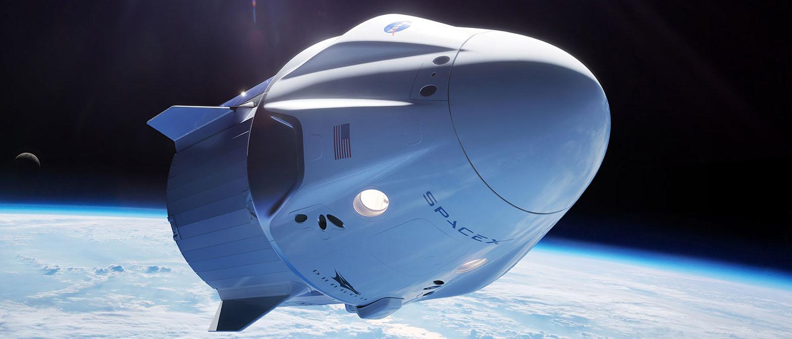 SpaceX will Ende 2021 erste Touristen ins All bringen